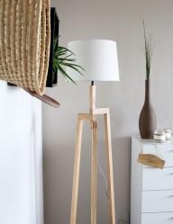 lampara de pie rustica en madera-7661be
